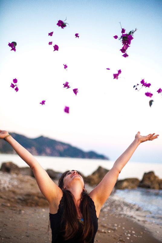 Erbluehen-Kalia-Yoga-Coaching
